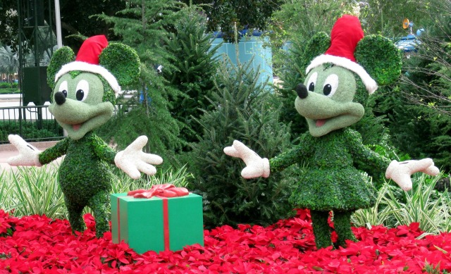 This is what it looks like when a Disney lover dreams about the Holidays.